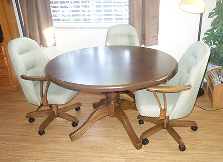 Round Table 226 Caster Chairs USA Dinettes